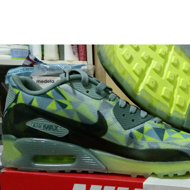 new style daae1 30bf2 Nike Air Max 90 Ice Volt Size 10.5 US, Sports on Carousell