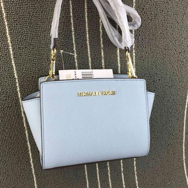 p o authentic bn michael kors mini selma messenger pale blue luxury on carousell. Black Bedroom Furniture Sets. Home Design Ideas