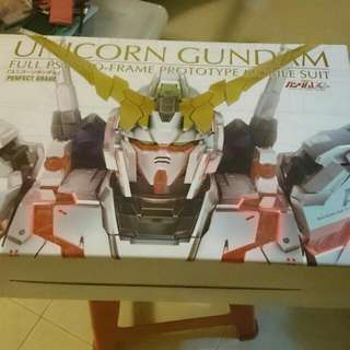 Hi everyone!! I have this Gundam model I'm selling which is literally brand new. Gunpla is called unicorn Gundam . Bought it from Taiwan.Price I bought was at $350 so I'm selling at same price.