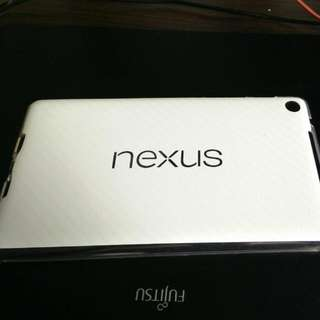 Nexus 7 2013 Transparent Plastic Case With White Carbon Fibre Dbrand Skin