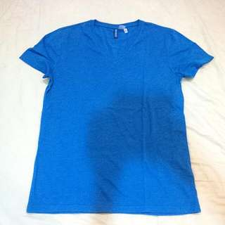 blue h&m v neck short sleeve tee shirt size S worn once