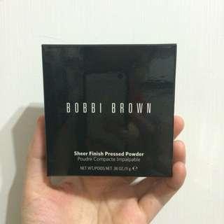 BOBBI BROWN 羽柔粉餅🎀
