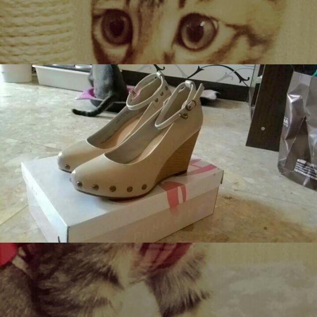 達芙妮楔形高跟鞋