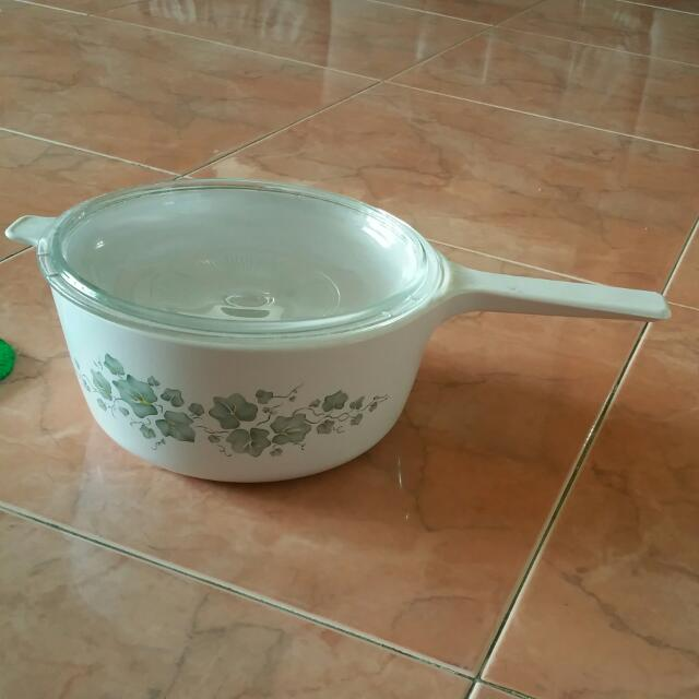 Brand New CORNINGWARE 2.5L QUART PAN WITH PYREX LID Dinnerware
