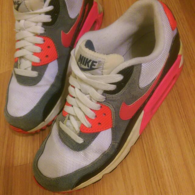 Nike air max氣墊鞋23.5號