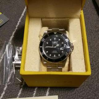 AUTHENTIC INVICTA 8932 Pro Diver Collection (Stainless Steel)  BNIB  Comes With Links To Adjust Never Used Before Selling Because Not Using Very Good And Mint Condition $120