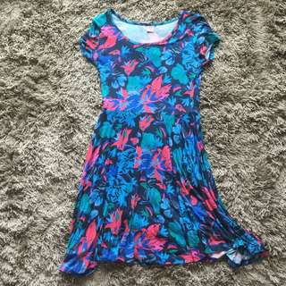 *$18 Ladies Dress (Hush Puppies)