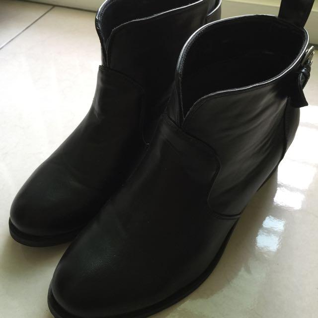 冬天隨便穿都好看-小短靴 黑色
