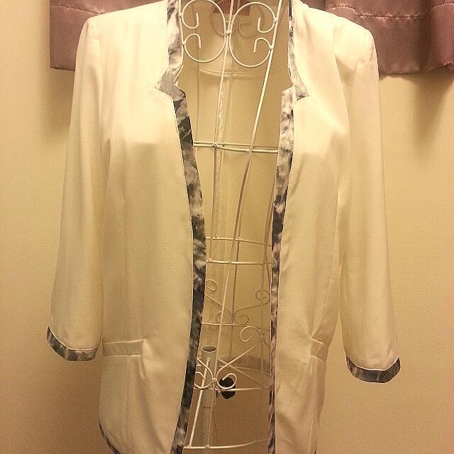 ※全新※ 白色氣質花邊西裝外套