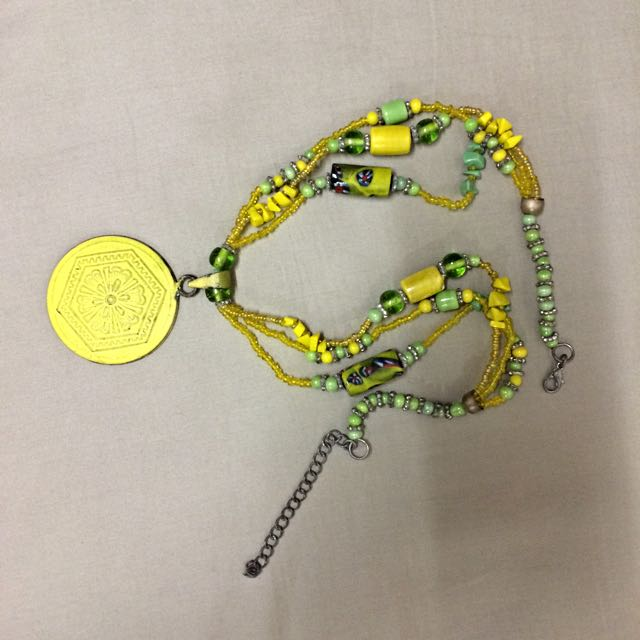 Beads Necklace (Island Shop)