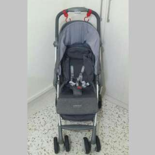 Compact Foldable Preloved Stroller GB Beaula D620