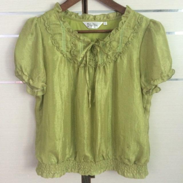 降價 - 綠色絲質上衣