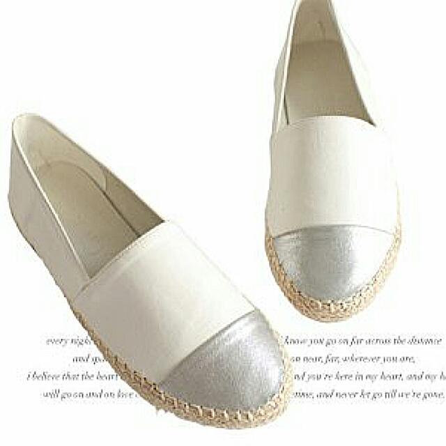 小白鞋(保留中,待匯款)
