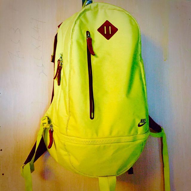 Nike 小小兵黃/褐配色 Cheyenne Pursuit 72 Backpack 厚挺帆布後背包