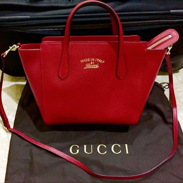 3bd9af99ea7 Selling Below Cost!!!! Brand New Gucci Swing Mini Crossbody Bag In ...