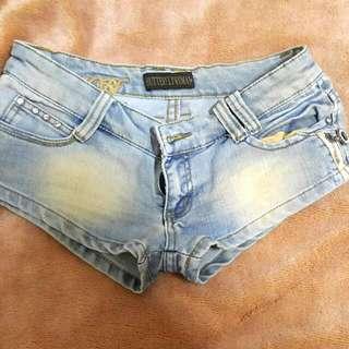淺藍刷白熱褲
