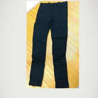 C022黑色窄管長褲(s號)