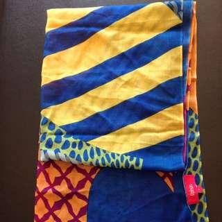 設計師Roubn絲巾 材質超舒服的全新原價3980 特價出清
