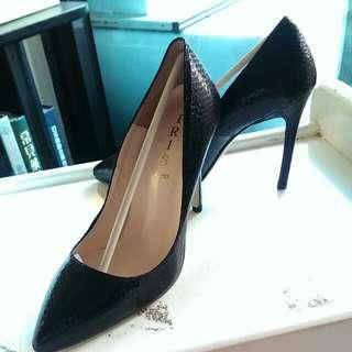 韓系黑色蛇紋高跟鞋24.5號