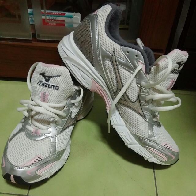 ※※mizuno※※全新慢跑鞋