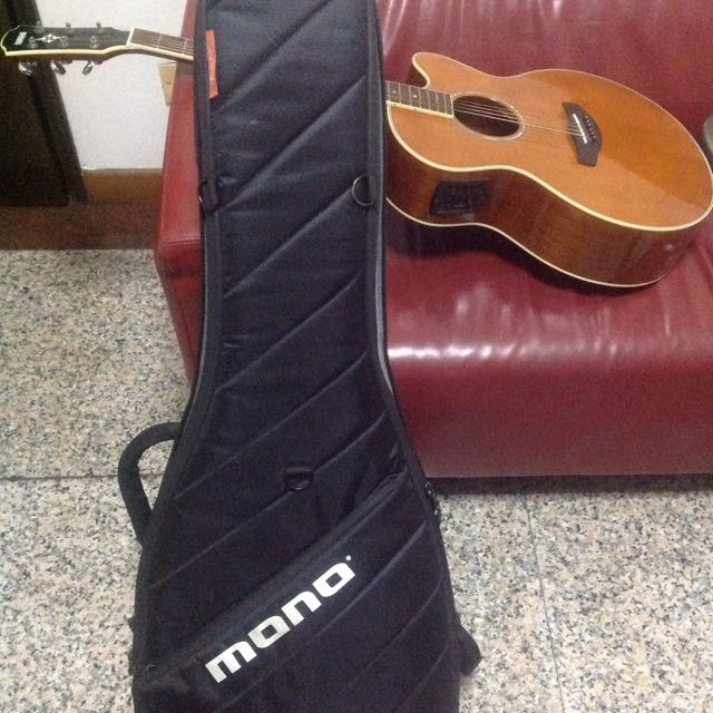Mono Vertigo Electric Guitar Case, very Good Condition Selling for 150, meet at City hall mrt thanks 😀