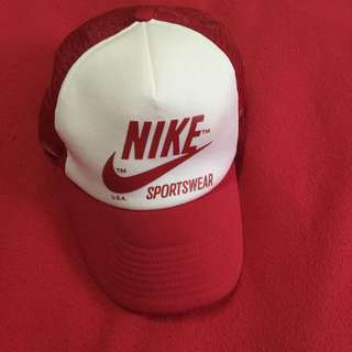 Nike 紅白網帽
