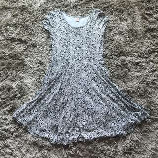 *$10 Ladies Dress (Hush Puppies)