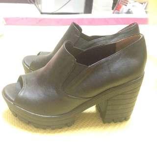 黑色魚口厚底靴✨