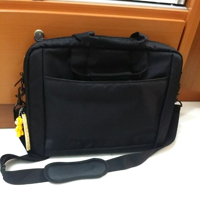 NEW! 85%OFF Padded Laptop Bag From Toshiba