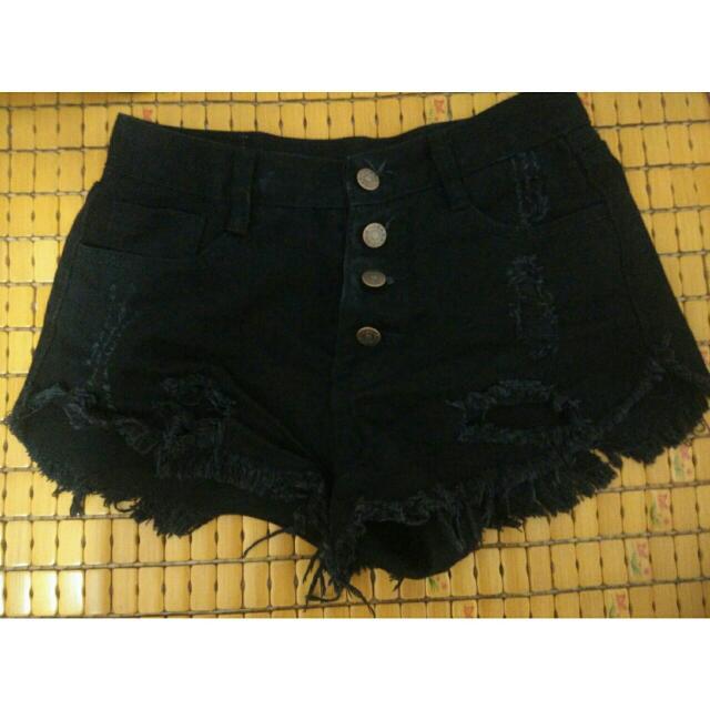 黑色高腰短褲(size26)