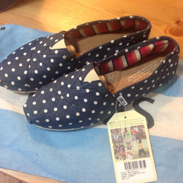 TOM'S 籃底白點 海軍藍 點點 鞋 美規 size6.5(已降價)