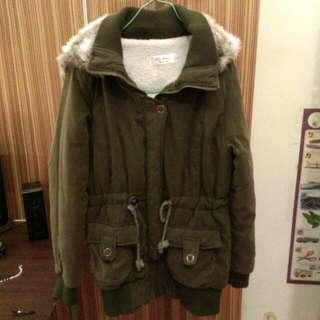 含運✨正韓軍綠色鋪毛連帽外套✨