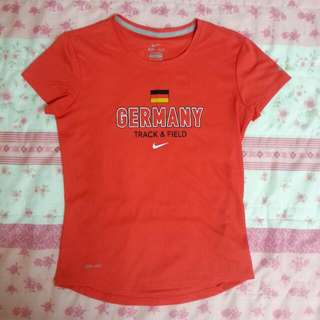 (再下殺!)NIKE SIGNED GERMANY  女子短袖排汗衣-S