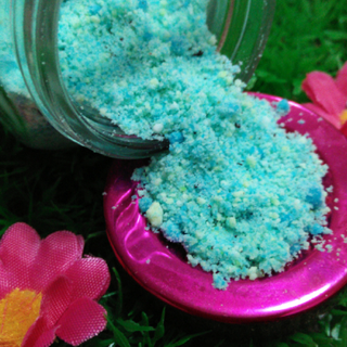 BE PAMPERED - Ombre Peppermint Bath Salts