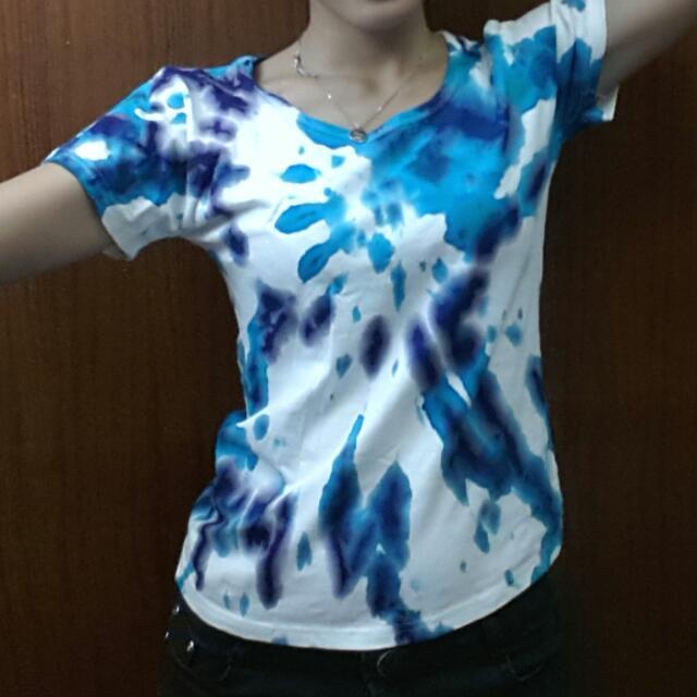 手染衣。絕不撞衫。海藍,白。