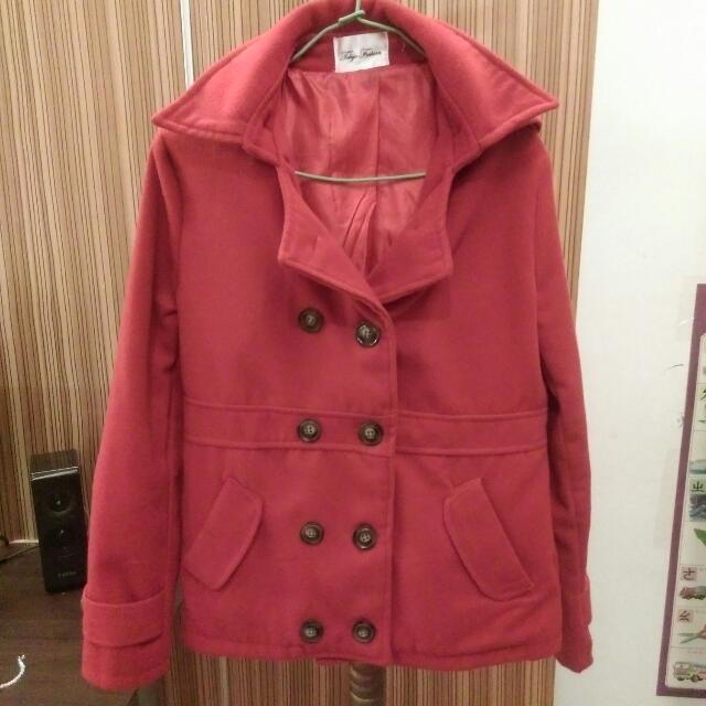 含運✨紅色連帽排扣大衣外套✨