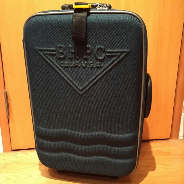 綠色行李箱