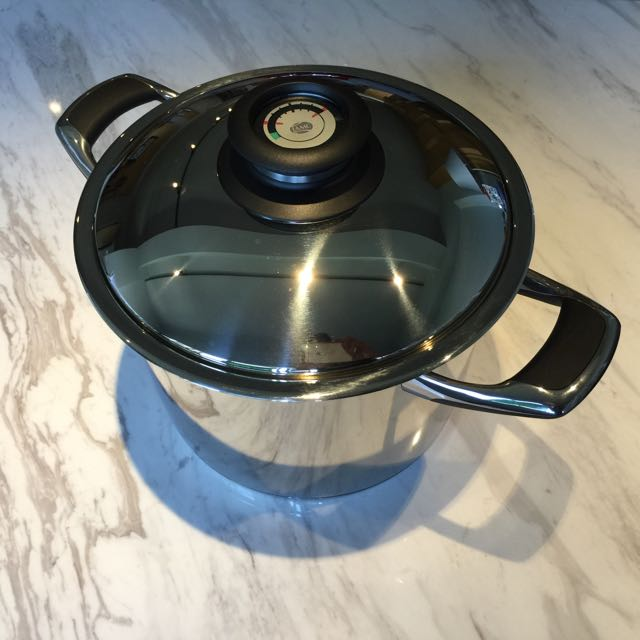 AMC 24cm 8 0L Pot with Pressure Cooker Lid, Home Appliances