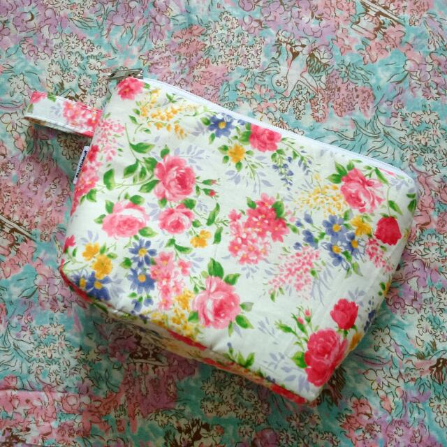 Shabby floral pouch