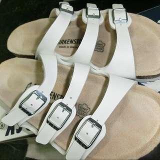 Birkenstock勃肯白色三條拖鞋(保留