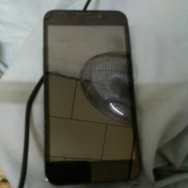 5吋智慧型手機