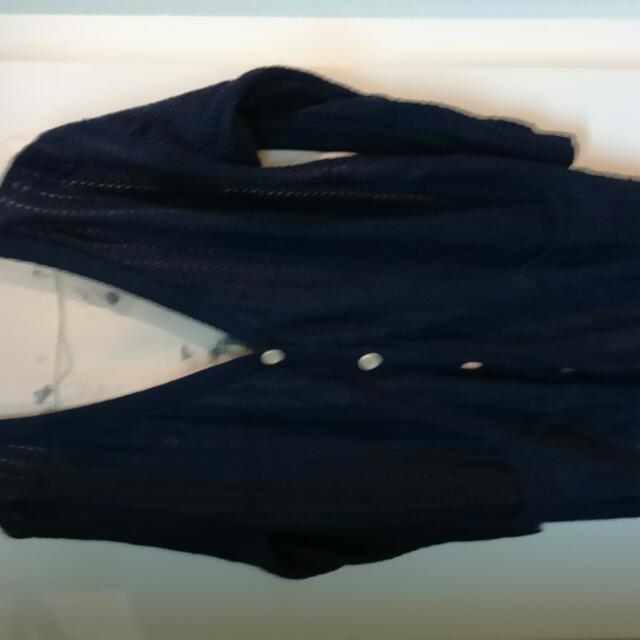 深藍色 前針織後絲質人像圖文外搭衣