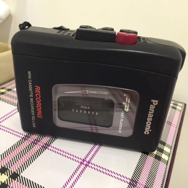 藏寶箱內的 Panasonic 隨身錄音帶放音機 古董 保存良好