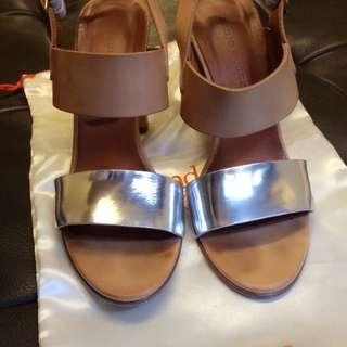 義大利品牌Fabio Rusconi駝色×銀色涼鞋
