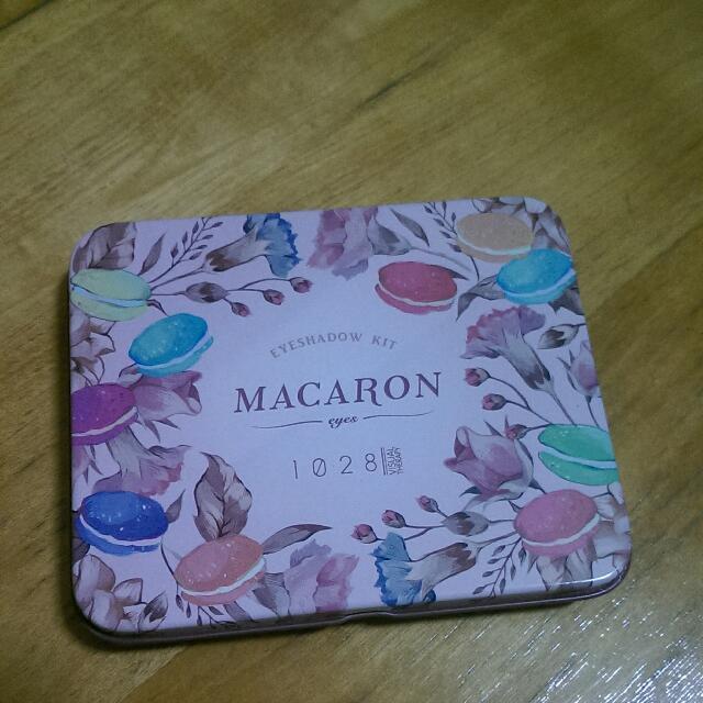 (待匯款)1028瑪卡龍眼影盒