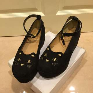 Black kitty wedges ( size 36-38 )