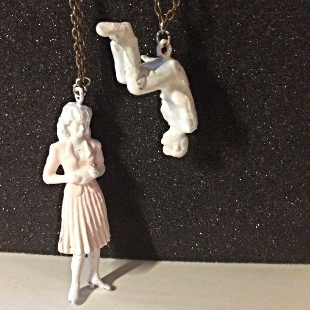 純白模型男女對鍊