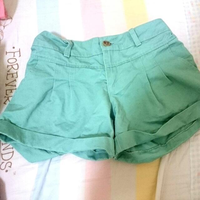 全新 日本原宿帶回 超好搭軍綠色短褲