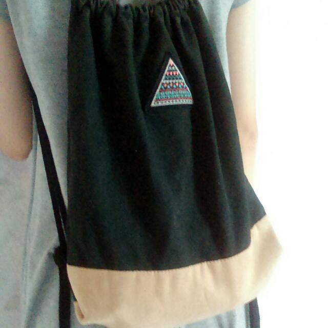 三角形圖騰束口袋束口包 麂皮 原pinkoi上購入
