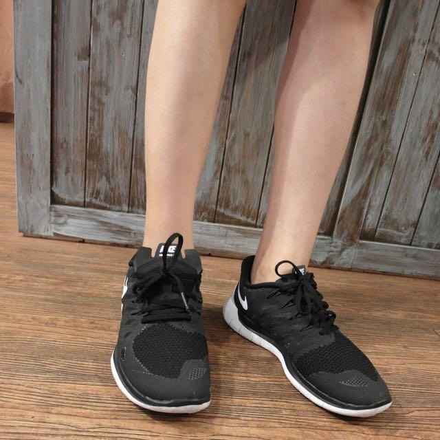 Nike Free 5.0 慢跑鞋